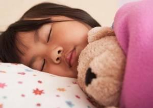 girl-sleeping-in-bed