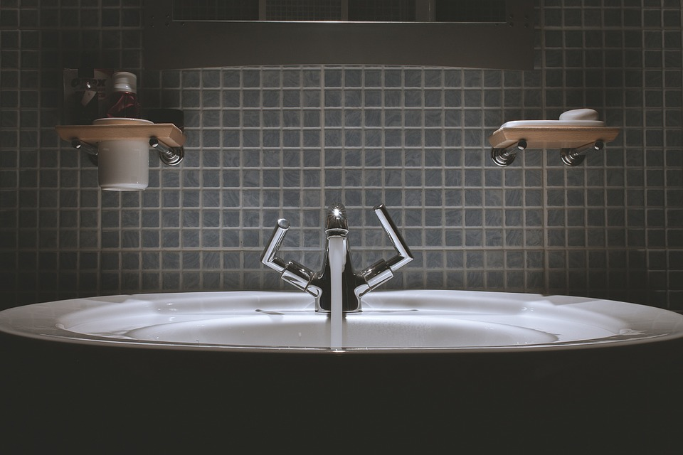 Water tap on