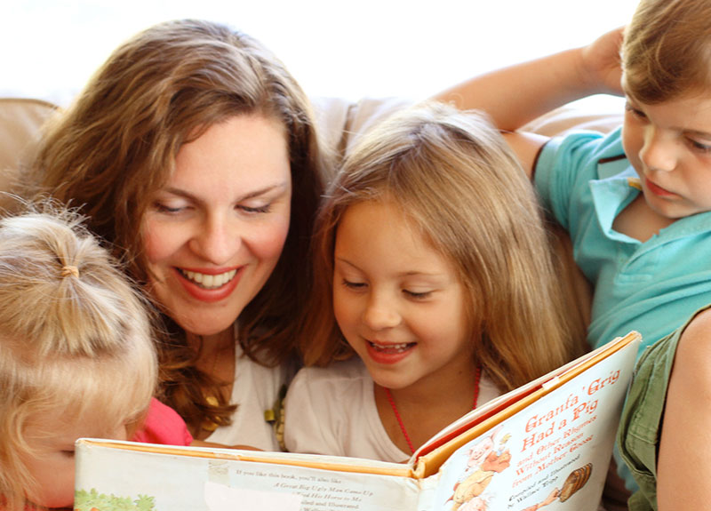 8 Topmost Benefits of Story Telling to Children