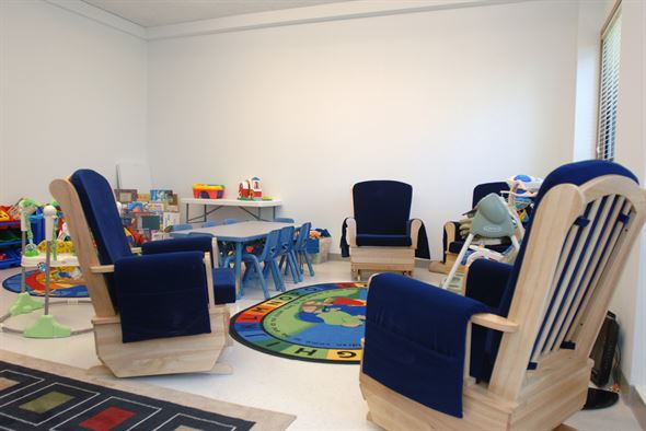 17 Easy & Creative Kids Friendly Living Room Decorating Ideas