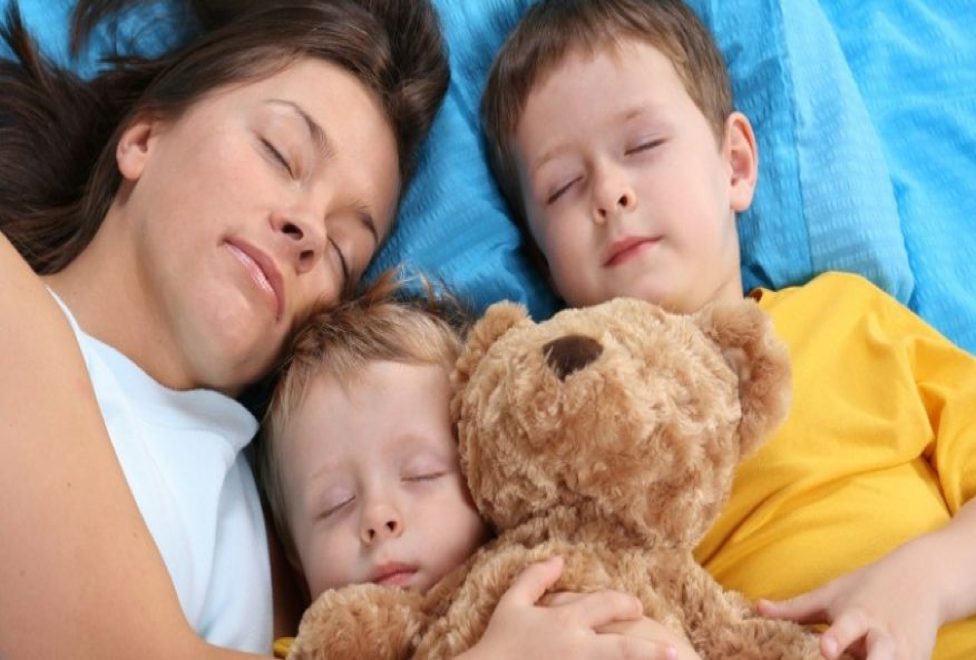 Should Kids Sleep on the Same Mattress as Parents?