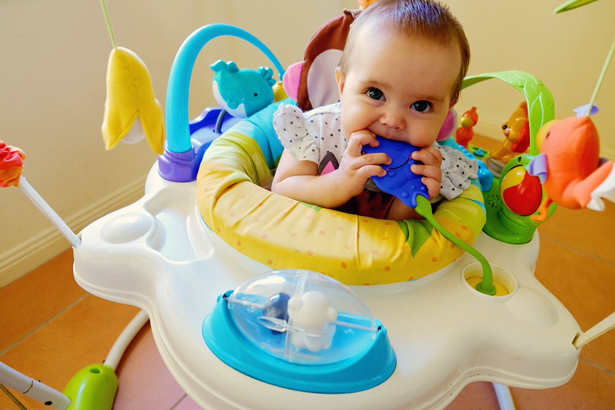 Guide To Choosing Baby Toys : Best tips for choosing safe baby products bath skin
