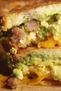 Avocado-egg sandwiches