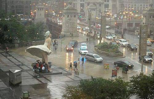 Funny Statue Of Chicago